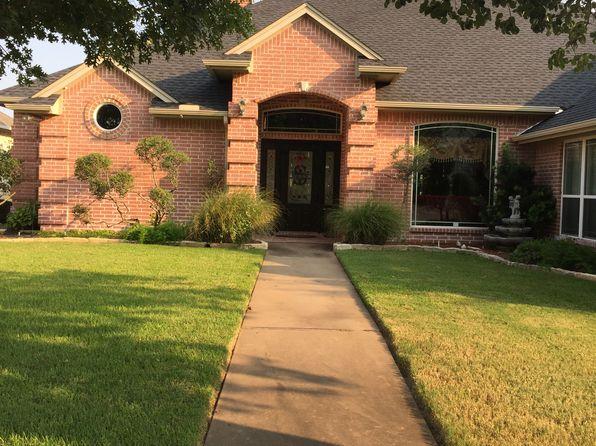 3 bed 3 bath Single Family at 1111 Mallard Way Granbury, TX, 76048 is for sale at 425k - 1 of 38