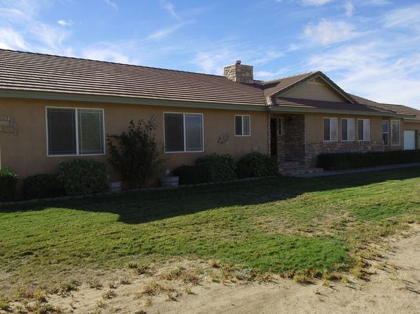 4 bed 3 bath Single Family at 7914 DOGWOOD AVE ROSAMOND, CA, 93560 is for sale at 415k - 1 of 32