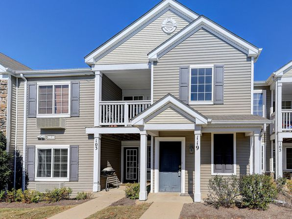 1 bed 1 bath Condo at 119 Silverstone Dr Carpentersville, IL, 60110 is for sale at 77k - 1 of 13