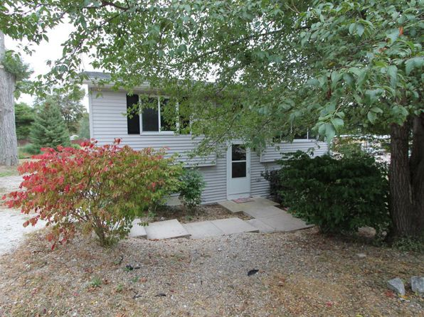 3 bed 2 bath Single Family at N1262 GROVE RD GENOA CITY, WI, 53128 is for sale at 140k - 1 of 16