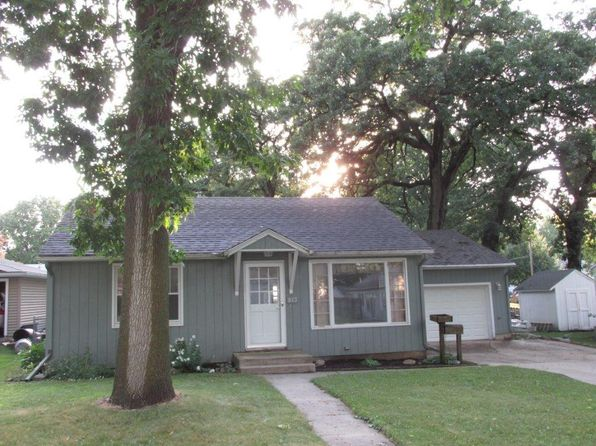 2 bed 1 bath Single Family at 813 N 12th St Clear Lake, IA, 50428 is for sale at 129k - 1 of 27