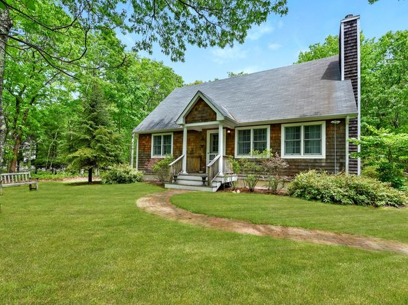 4 bed 3 bath Single Family at 31 Northview Dr Sag Harbor, NY, 11963 is for sale at 1.25m - 1 of 10