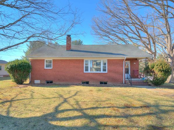 3 bed 1 bath Single Family at 1105 5th St Radford, VA, 24141 is for sale at 120k - 1 of 23