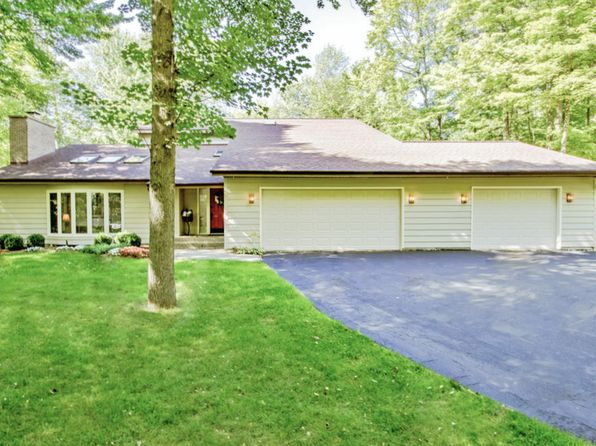 4 bed 4 bath Single Family at 3809 E Old Pine Trl Midland, MI, 48642 is for sale at 393k - 1 of 40