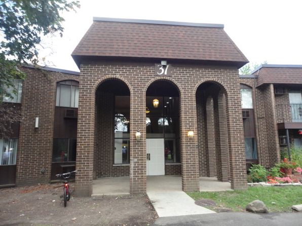 2 bed 2 bath Condo at 31 Washington Blvd Mundelein, IL, 60060 is for sale at 90k - google static map