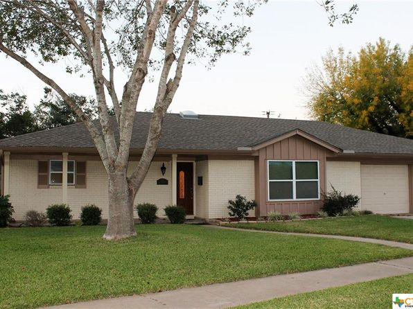 4 bed 3 bath Single Family at 203 Hampton Ct Victoria, TX, 77904 is for sale at 225k - 1 of 48