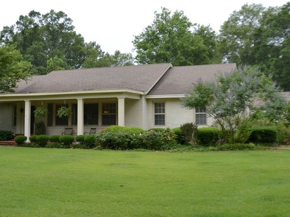 3 bed 2 bath Single Family at 915 Myrtle St Greenwood, MS, 38930 is for sale at 245k - 1 of 40