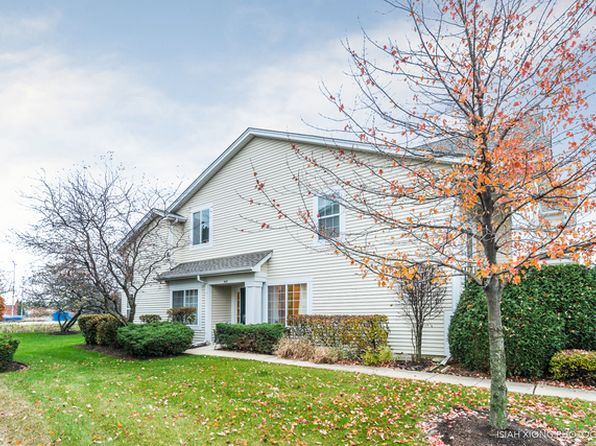 2 bed 2 bath Townhouse at 947 Huntington Dr Elk Grove Village, IL, 60007 is for sale at 213k - 1 of 13