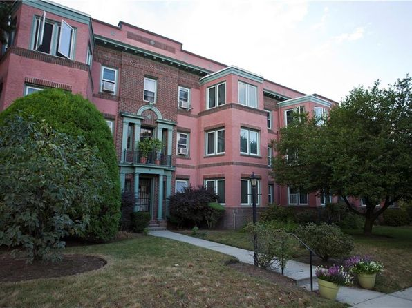 2 bed 2 bath Condo at 8 Blackstone/Waylandayland Blvd East Side of Prov, RI, 02906 is for sale at 249k - 1 of 17
