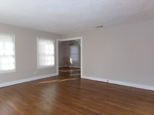3 bed 2 bath Single Family at 310 W Seale St Nacogdoches, TX, 75964 is for sale at 75k - 1 of 10