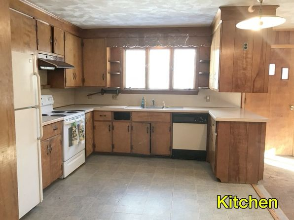 2 bed 1.5 bath Single Family at 17 S MAIN ST GOSHEN, MA, 01032 is for sale at 150k - 1 of 24