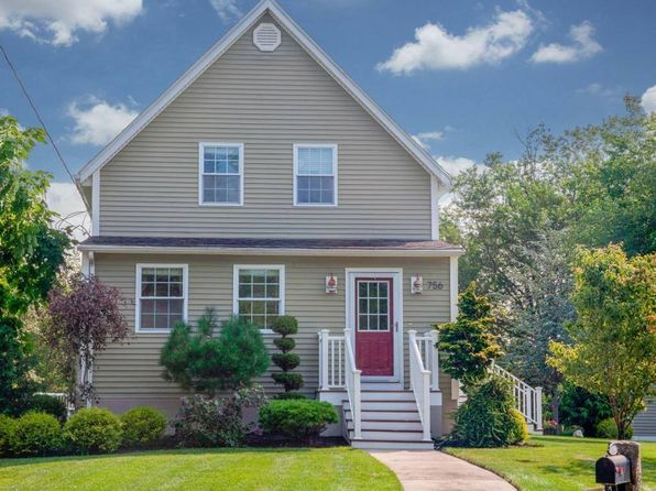 3 bed 1.5 bath Single Family at 756 Staples St East Taunton, MA, 02718 is for sale at 359k - 1 of 25