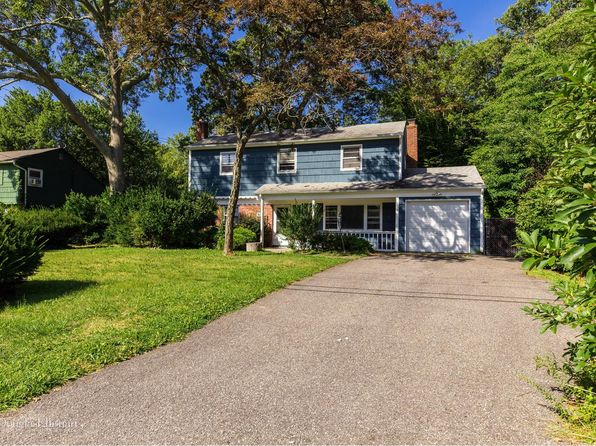 3 bed 2 bath Single Family at 48 Van Bomel Blvd Oakdale, NY, 11769 is for sale at 330k - 1 of 18
