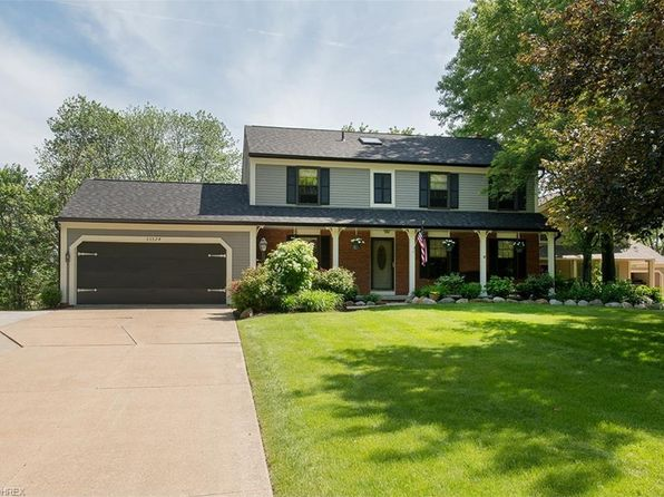 4 bed 3 bath Single Family at 33524 Overland Ln Solon, OH, 44139 is for sale at 280k - 1 of 28