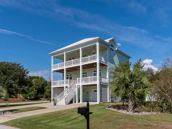 4 bed 4 bath Single Family at 9716 Green Glen Rd Emerald Isle, NC, 28594 is for sale at 770k - 1 of 61
