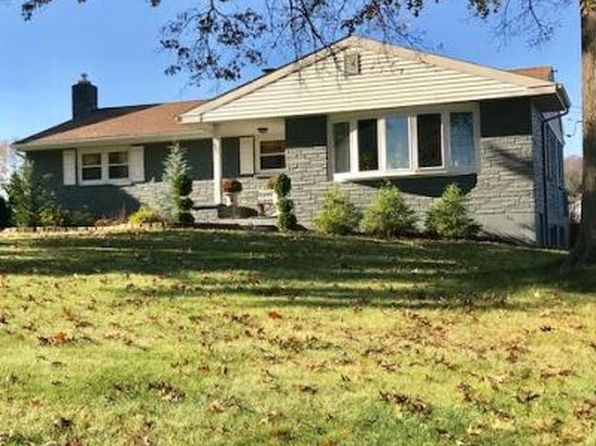 3 bed 2 bath Single Family at 427 Linden St East Earl, PA, 17519 is for sale at 255k - 1 of 27