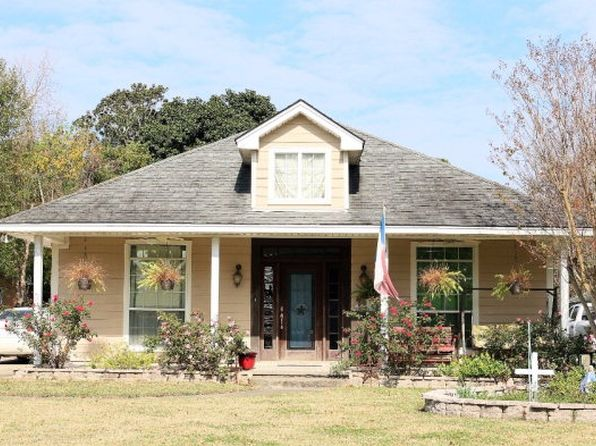 4 bed 2 bath Single Family at 690 Sudduth Dr Bridge City, TX, 77611 is for sale at 215k - 1 of 15