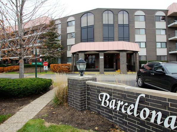 2 bed 2 bath Condo at 4901 Golf Rd Skokie, IL, 60077 is for sale at 200k - 1 of 54