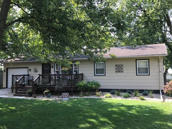 3 bed 1 bath Single Family at 607 Meadow Lane St Le Roy, IL, 61752 is for sale at 119k - 1 of 12