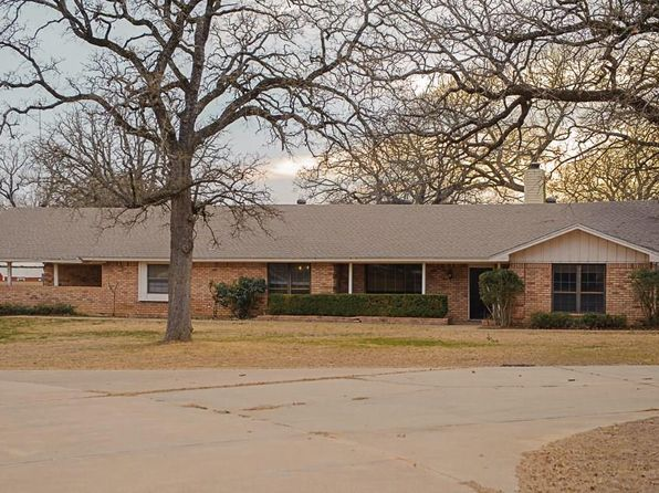 4 bed 4 bath Single Family at 3521 Dove Creek Rd Cleburne, TX, 76031 is for sale at 316k - 1 of 17