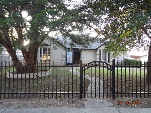 3 bed 2 bath Single Family at 2945 Spruce Valley Ln Dallas, TX, 75233 is for sale at 160k - 1 of 23