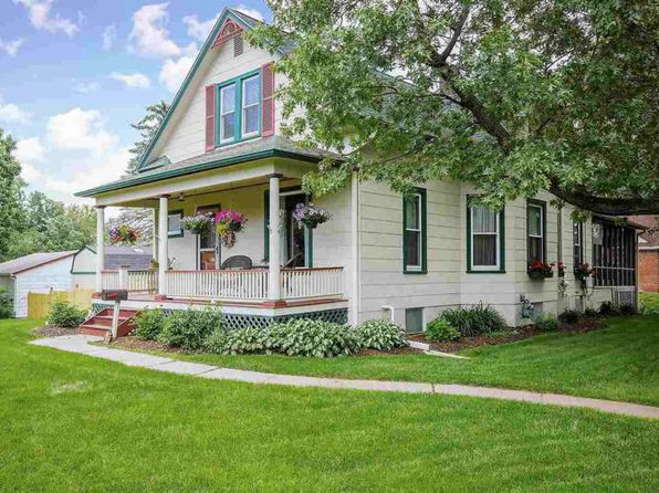 4 bed 2 bath Single Family at 3403 Middle Rd Davenport, IA, 52803 is for sale at 258k - 1 of 24