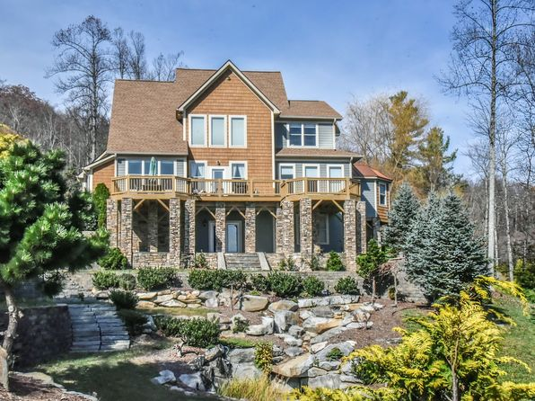5 bed 5 bath Single Family at 640 Grand Oaks Dr Hendersonville, NC, 28792 is for sale at 795k - 1 of 31