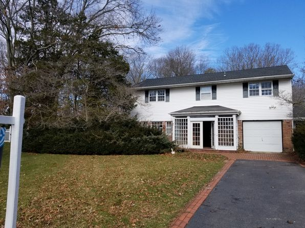 4 bed 3 bath Single Family at 15 RICHMAR DR SAYVILLE, NY, 11782 is for sale at 649k - google static map