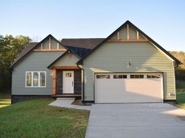 3 bed 3 bath Single Family at 4557 Wiltshire St Rockingham, VA, 22802 is for sale at 310k - 1 of 2