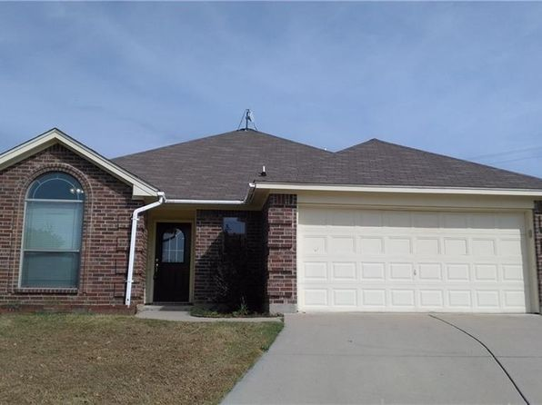 3 bed 2 bath Single Family at 144 Parkwood Ct Azle, TX, 76020 is for sale at 150k - 1 of 16