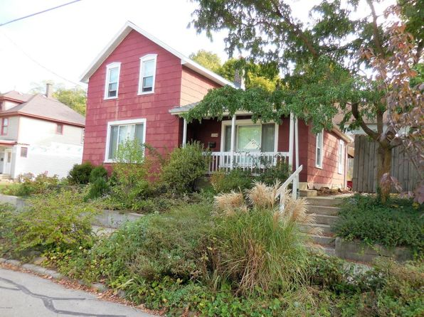 4 bed 1 bath Single Family at 1334 College Ave NE Grand Rapids, MI, 49505 is for sale at 90k - 1 of 11