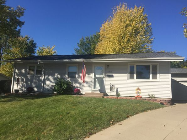 3 bed 2 bath Single Family at 2814 Hillside Ct Bettendorf, IA, 52722 is for sale at 175k - 1 of 10