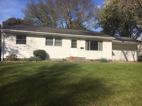 4 bed 2 bath Single Family at 1830 Henderson Dr Marion, IA, 52302 is for sale at 169k - 1 of 19
