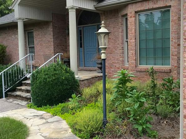 3 bed 2.5 bath Single Family at 2004 Larkspur Dr Murray, KY, 42071 is for sale at 294k - 1 of 25