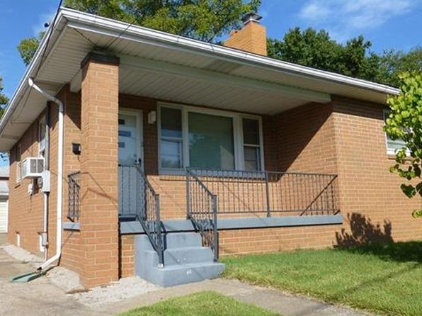 2 bed 1 bath Single Family at 1716 Clawson St Alton, IL, 62002 is for sale at 83k - 1 of 19