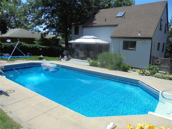 4 bed 2 bath Single Family at 6 Roma St Sayreville, NJ, 08872 is for sale at 375k - 1 of 23