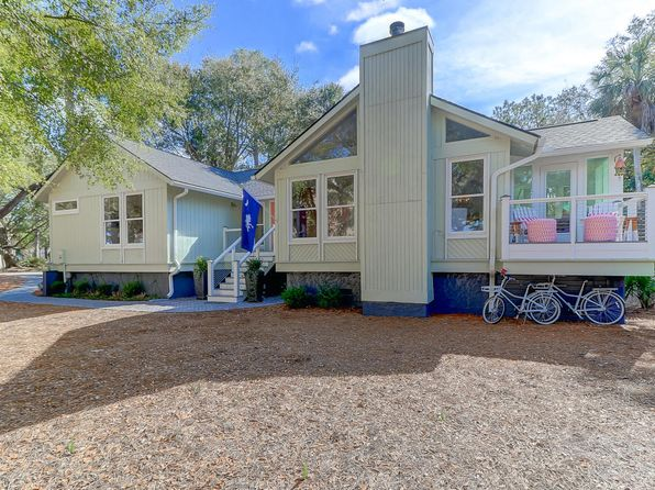 3 bed 2 bath Single Family at 19 LAKE VILLAGE LN ISLE OF PALMS, SC, 29451 is for sale at 650k - 1 of 26