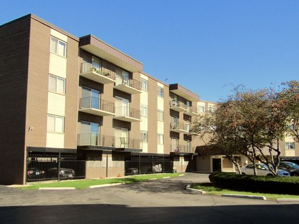 1 bed 1 bath Condo at 9820 S Pulaski Rd Oak Lawn, IL, 60453 is for sale at 46k - 1 of 26