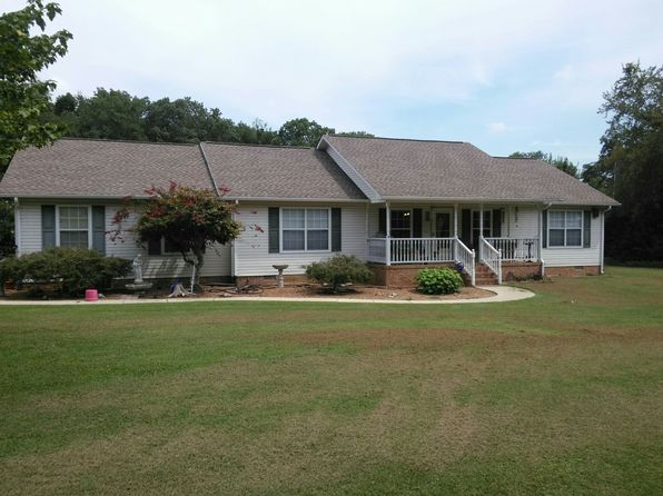 3 bed 2 bath Single Family at 1803 PUTMAN AVE SOUTH PITTSBURG, TN, 37380 is for sale at 145k - 1 of 12