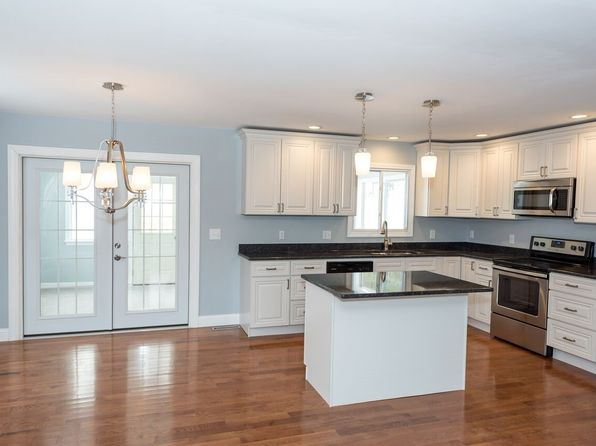 3 bed 2 bath Single Family at 105 Hovey Rd Londonderry, NH, 03053 is for sale at 330k - 1 of 39