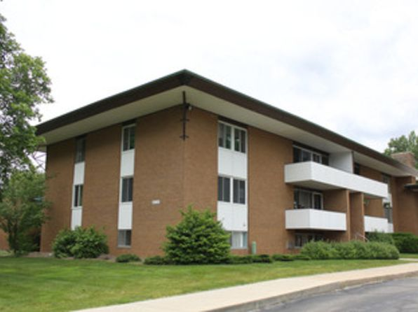 1 bed 1 bath Condo at 2119 Bayliss-Units 13 14 & Midland, MI, 48640 is for sale at 128k - 1 of 6