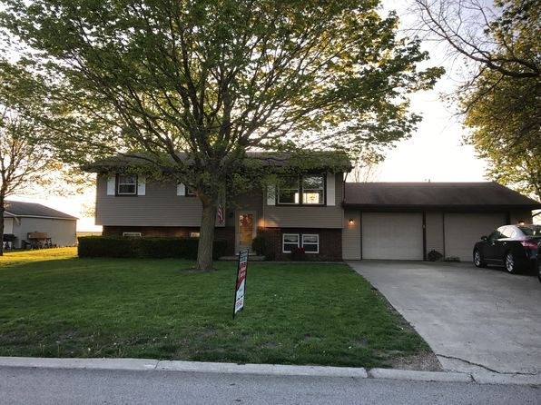 4 bed 1 bath Single Family at 129 Hilton Dr Lexington, IL, 61753 is for sale at 121k - 1 of 35