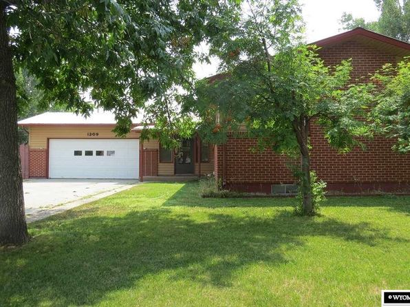 6 bed 3 bath Single Family at 1209 Aspen Dr Riverton, WY, 82501 is for sale at 195k - 1 of 16
