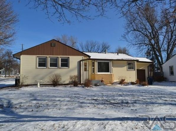 3 bed 1 bath Single Family at 400 S Lewis Ave Sioux Falls, SD, 57103 is for sale at 139k - 1 of 12