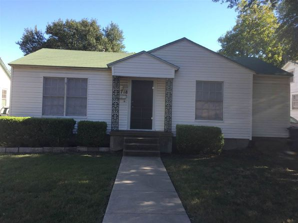 2 bed 1 bath Single Family at 2718 Proctor Ave Waco, TX, 76708 is for sale at 60k - 1 of 13
