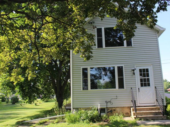 1 bed 1 bath Single Family at 515 Janssen St Horicon, WI, 53032 is for sale at 105k - 1 of 22