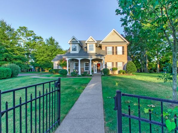 3 bed 2.5 bath Single Family at 1057 Lewisburg Pike Franklin, TN, 37064 is for sale at 425k - 1 of 30