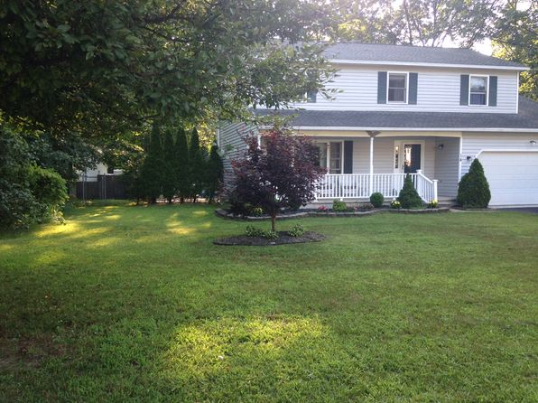 4 bed 3 bath Single Family at 14 McGregor Ct Clifton Park, NY, 12065 is for sale at 279k - 1 of 20