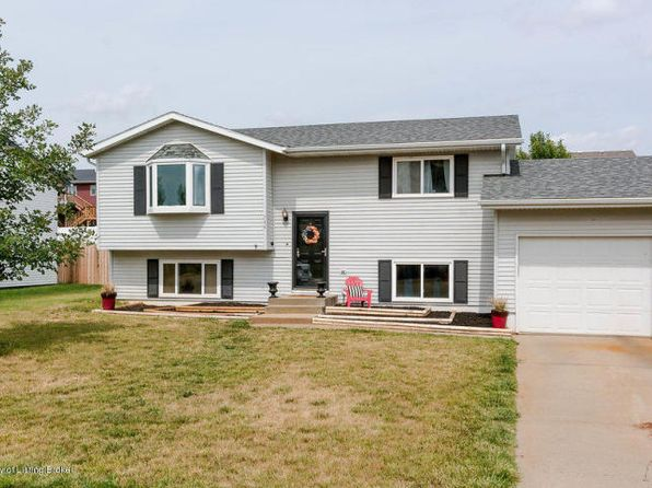 4 bed 1.5 bath Townhouse at 744 26th St W Dickinson, ND, 58601 is for sale at 238k - 1 of 29