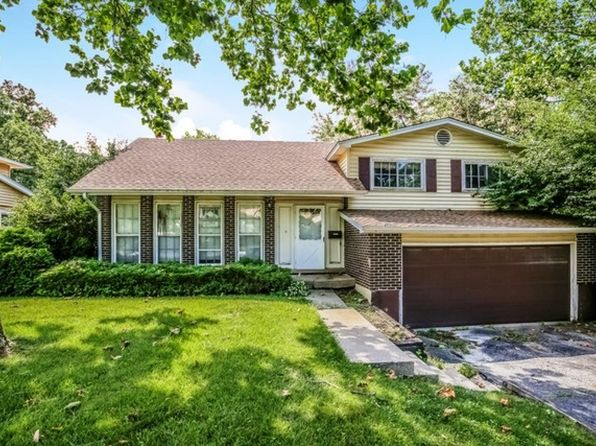 4 bed 3 bath Single Family at 2 Hilltop Dr Schaumburg, IL, 60193 is for sale at 339k - 1 of 52